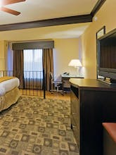 Holiday Inn Express Hotel & Suites Columbia Fort Jackson
