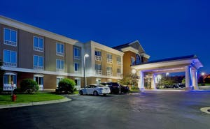 Holiday Inn Express Hotel & Suites Grand Rapids North