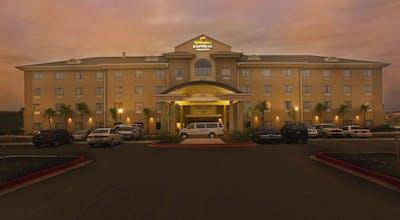 Holiday Inn Express Hotel & Suites Laredo