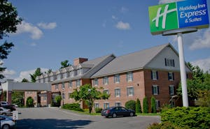 Holiday Inn Express Hotel & Suites Merrimack