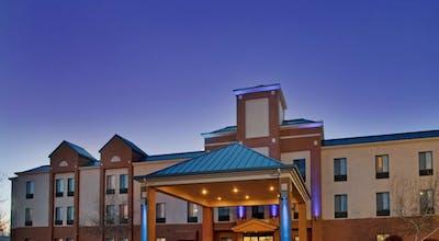 Holiday Inn Express Hotel & Suites Lansing