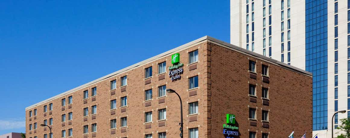 Holiday Inn Express Hotel & Suites Minneapolis Downtown