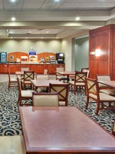 Holiday Inn Express Hotel & Suites Newmarket
