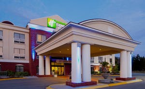 Holiday Inn Express Hotel & Suites Quincy I 10