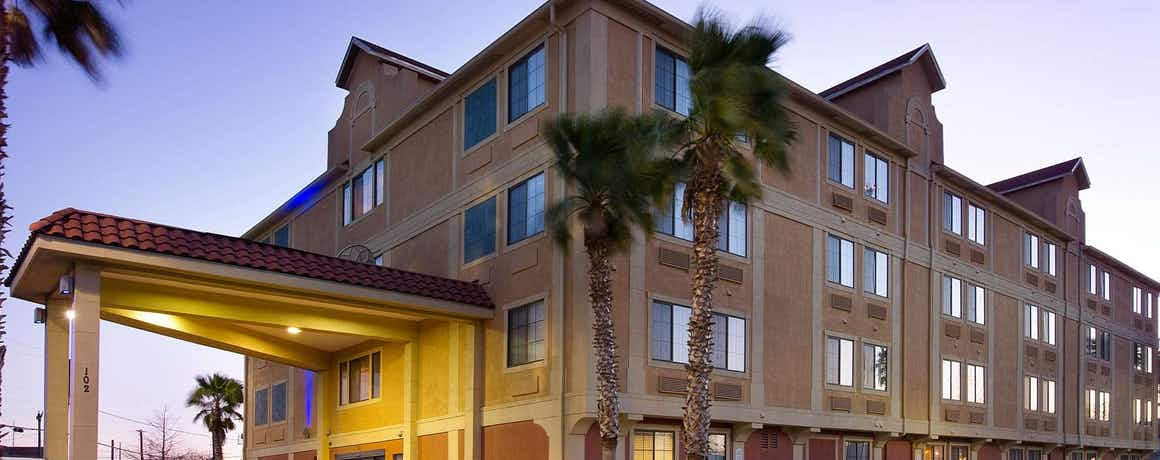 Holiday Inn Express Hotel & Suites San Antonio Downtown