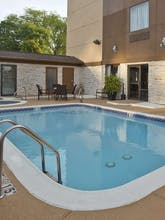 Holiday Inn Express Hotel & Suites Spring