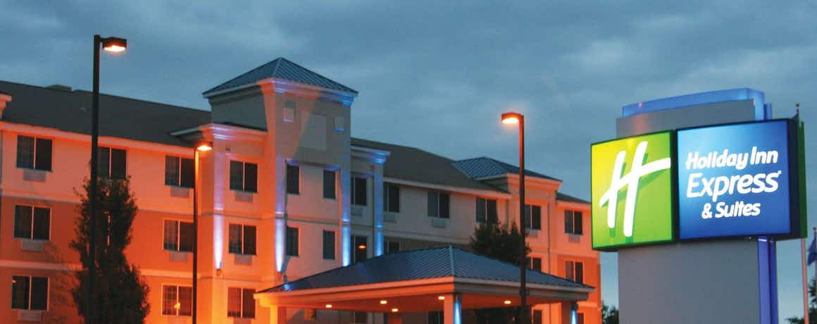 Holiday Inn Express Hotel & Suites St. Cloud