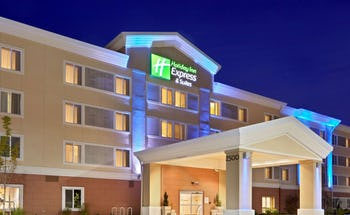 Holiday Inn Express Hotel & Suites Sumner