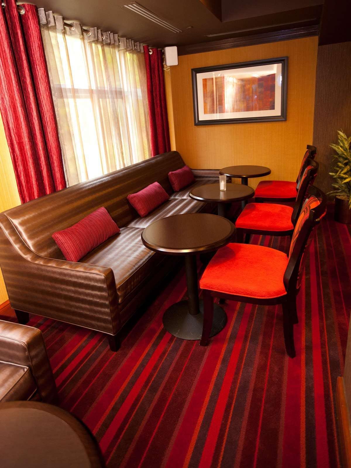 Holiday Inn Express Hotel & Suites Vineland Millville