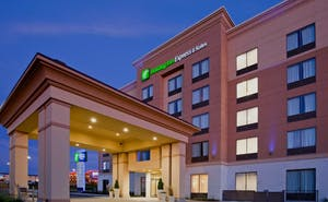 Holiday Inn Express Hotel & Suites Woodstock South