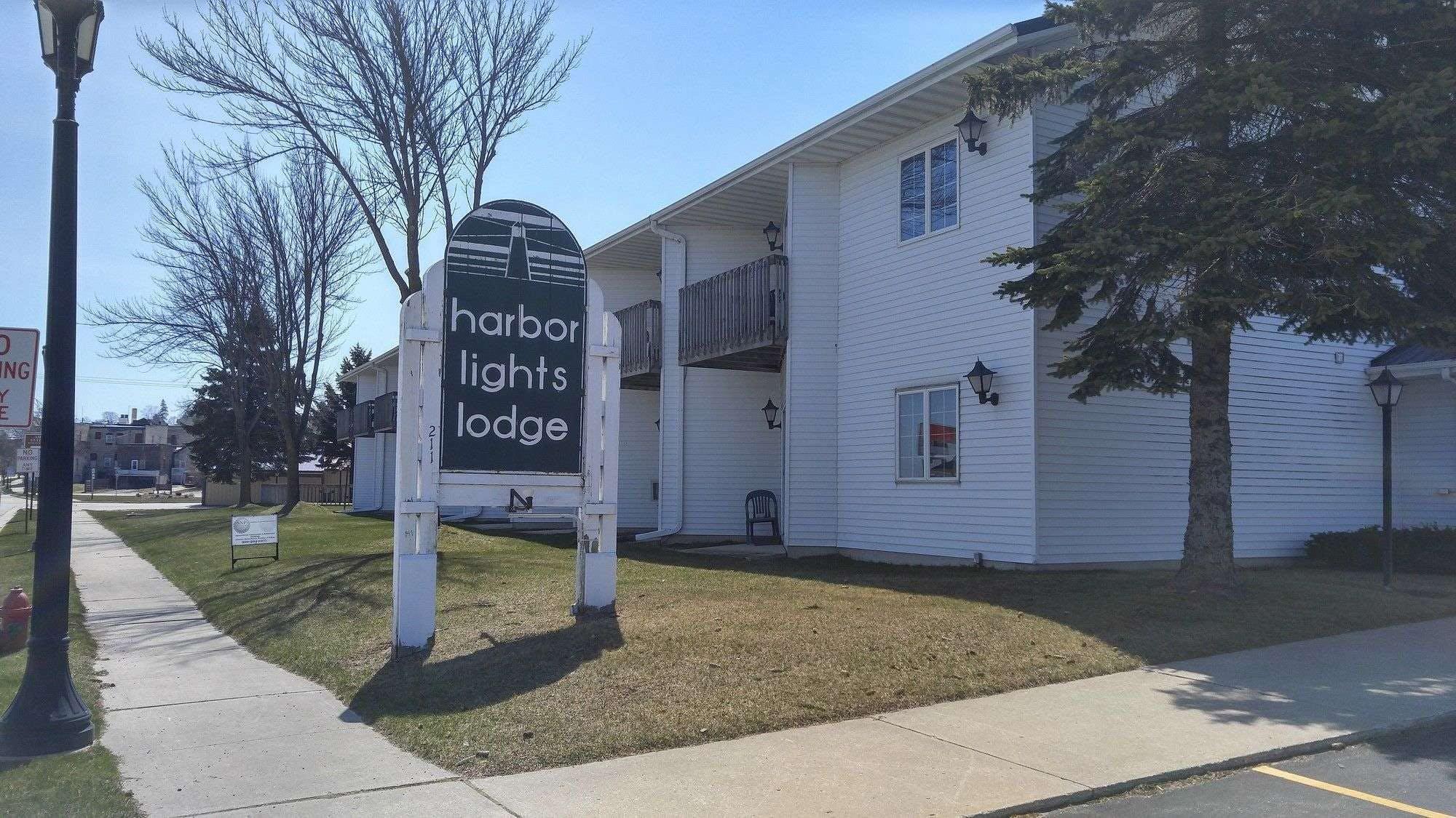 Harbor Lights Lodge