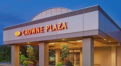 Crowne Plaza Chicago Northbrook