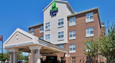 Holiday Inn & Suites Dallas-Addison