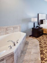 Holiday Inn Express Hotel & Suites Airport West