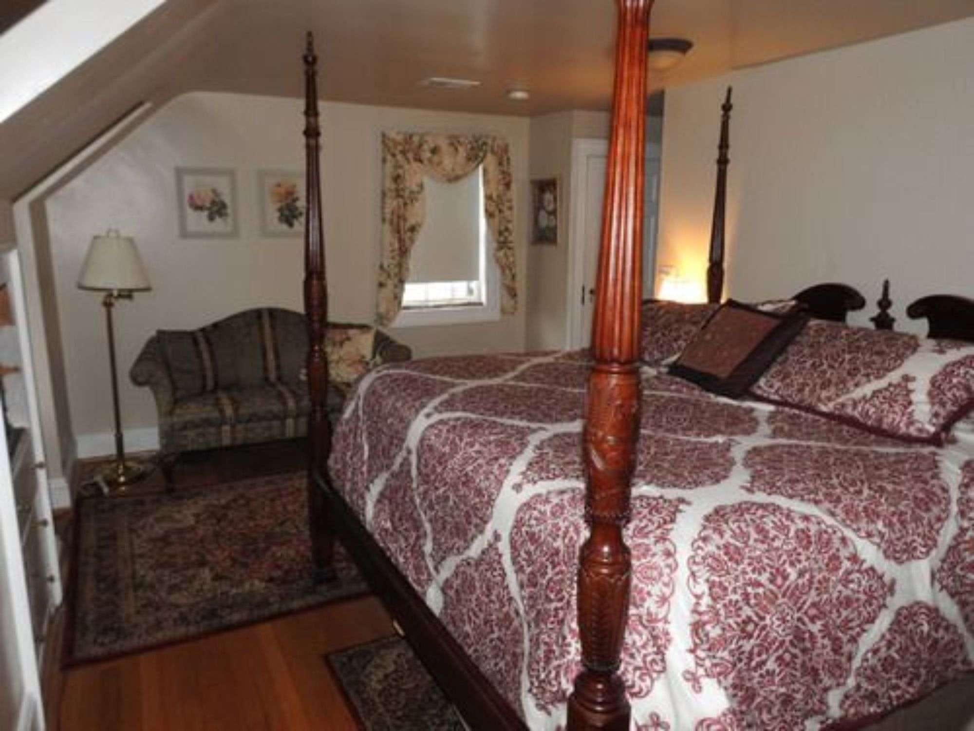 Magnolia Manor Bed and Breakfast Inn