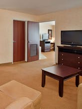 Holiday Inn Express Hotel & Suites Lawrence