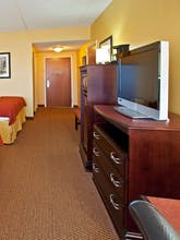 Holiday Inn Express Hotel & Suites Louisville South Hillview