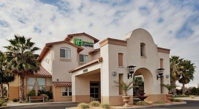 Holiday Inn Express Hotel & Suites Manteca City Center