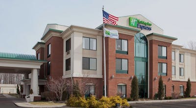 Holiday Inn Express Hotel & Suites North Lima