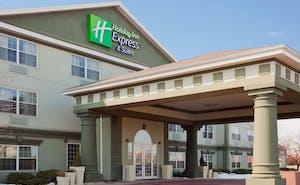 Holiday Inn Express Hotel & Suites Oshkosh