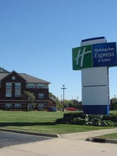 Holiday Inn Express Hotel & Suites Southfield