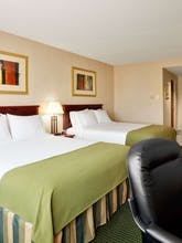 Holiday Inn Express Hotel & Suites Toronto Mississauga