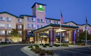 Holiday Inn Express Hotel & Suites Vadnais Heights