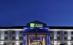 Holiday Inn Express Le Roy Bloomington