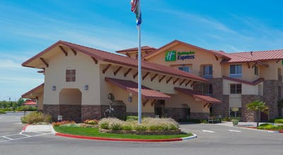 Holiday Inn Express Hotel & Suites Turlock