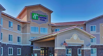 Holiday Inn Express Hotel & Suites Beaumont