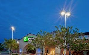 Holiday Inn Express Hotel & Suites Benton Harbor