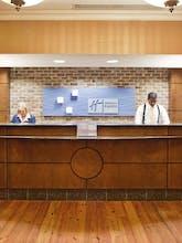 Holiday Inn Express Savannah Historic District