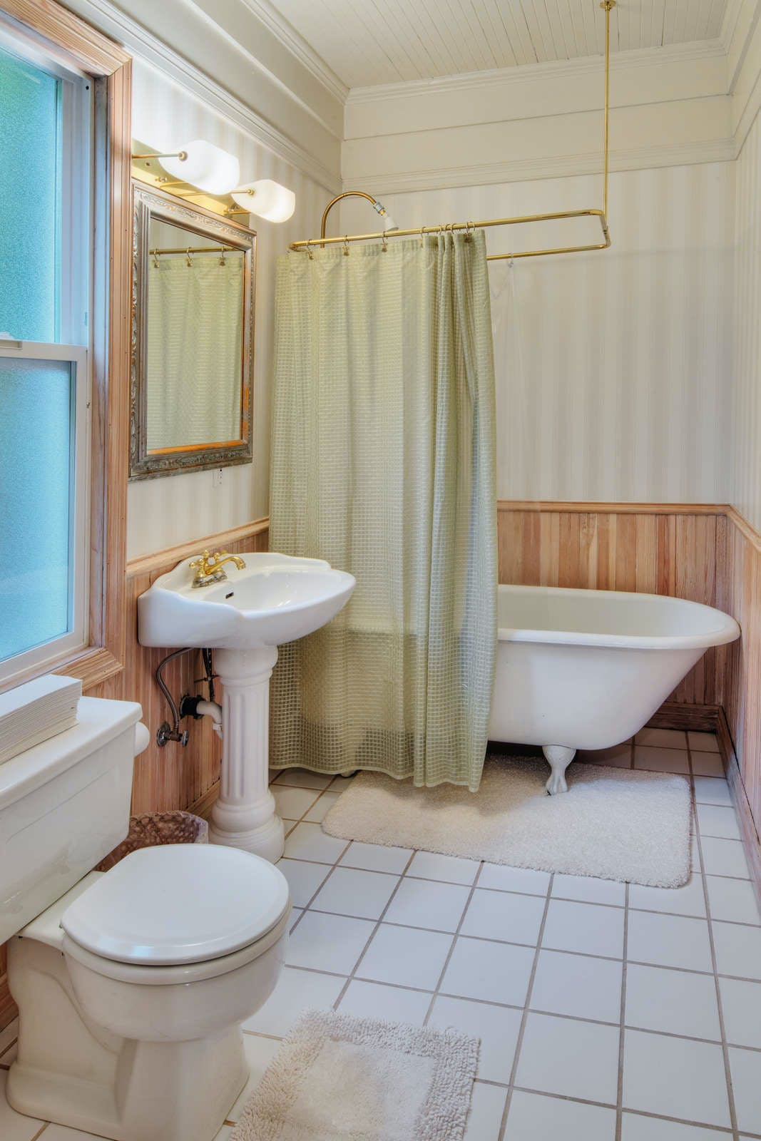Bed & Breakfast Inn Seattle - Shared Bathroom