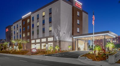 Hampton Inn & Suites Irvine/Orange County Airport