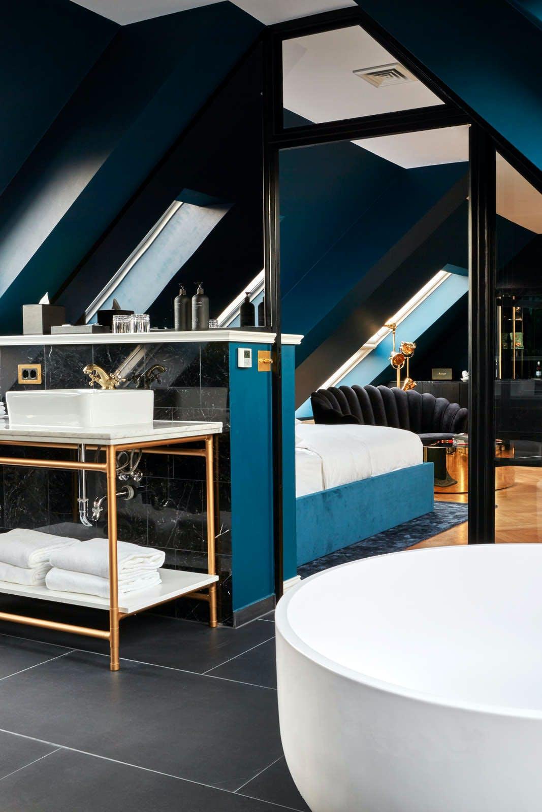 Hotel Provocateur