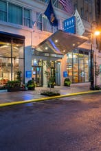 TRYP by Wyndham Times Square South Hotel