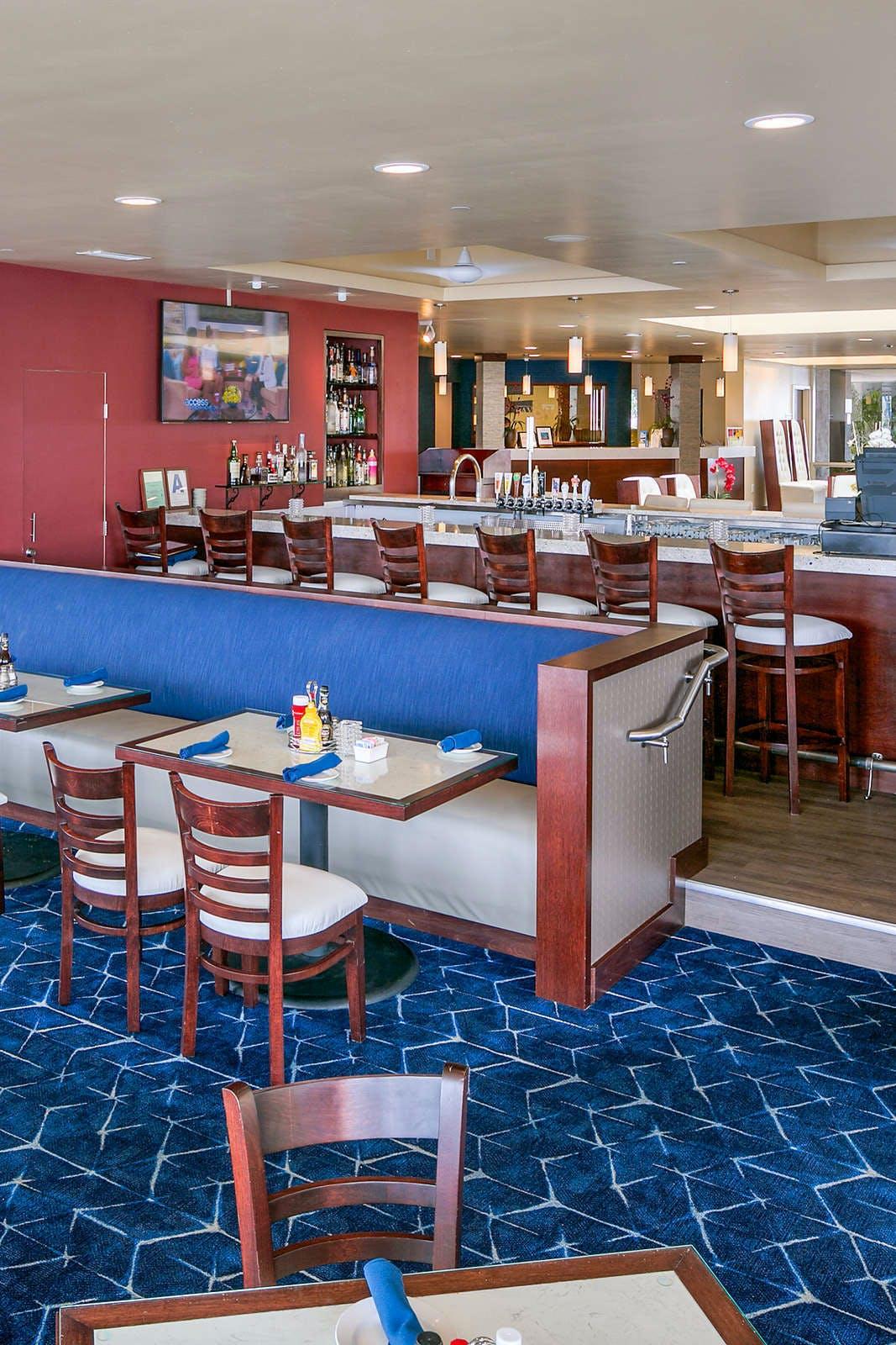 Bay Club Hotel & Marina