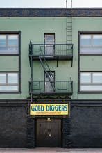 Gold-Diggers Hotel