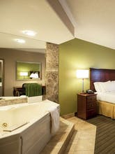 Holiday Inn Express Hotel & Suites Germantown
