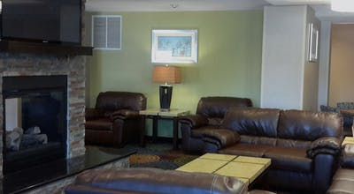 Holiday Inn Express Hotel & Suites Rochester West Medical Center