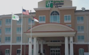 Holiday Inn Express Hotel & Suites Smithfield Selma