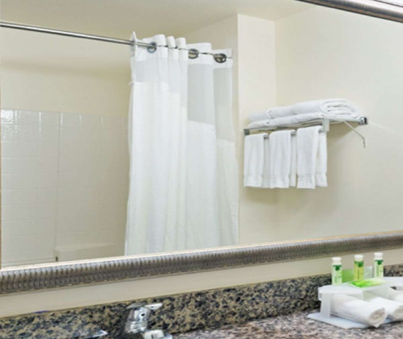 Holiday Inn Express Hotel Suites North Seattle Shoreline