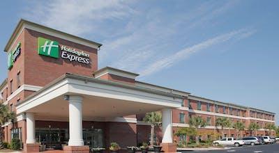 Holiday Inn Express Leland