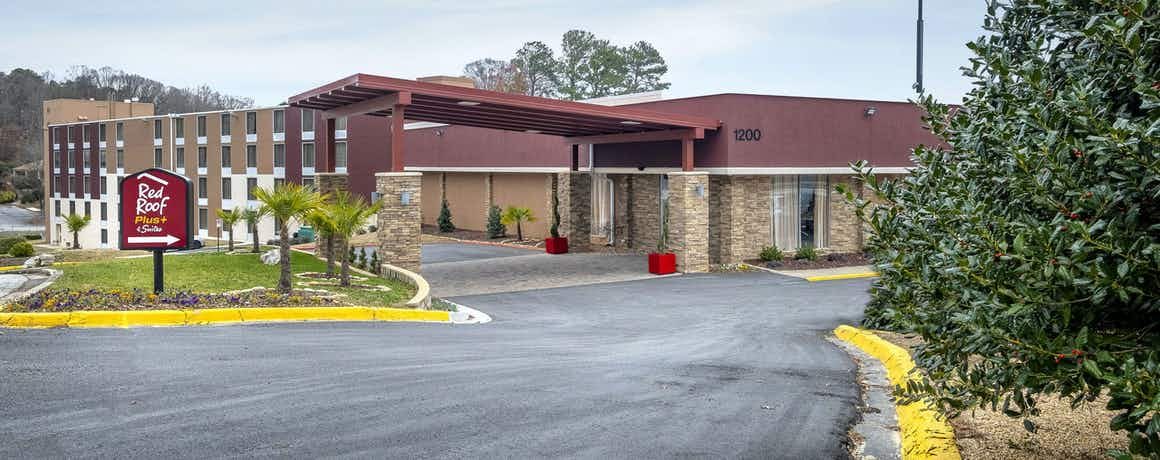 Red Roof PLUS+ & Suites Atlanta-Cumberland/Vinings