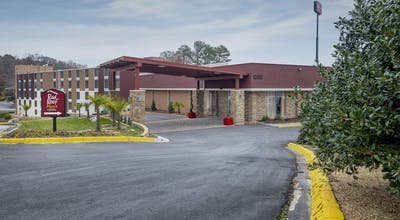 Red Roof PLUS+ & Suites Atlanta-Cumberland/Vinings