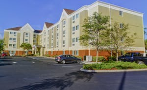 Candlewood Suites Fort Myers I-75