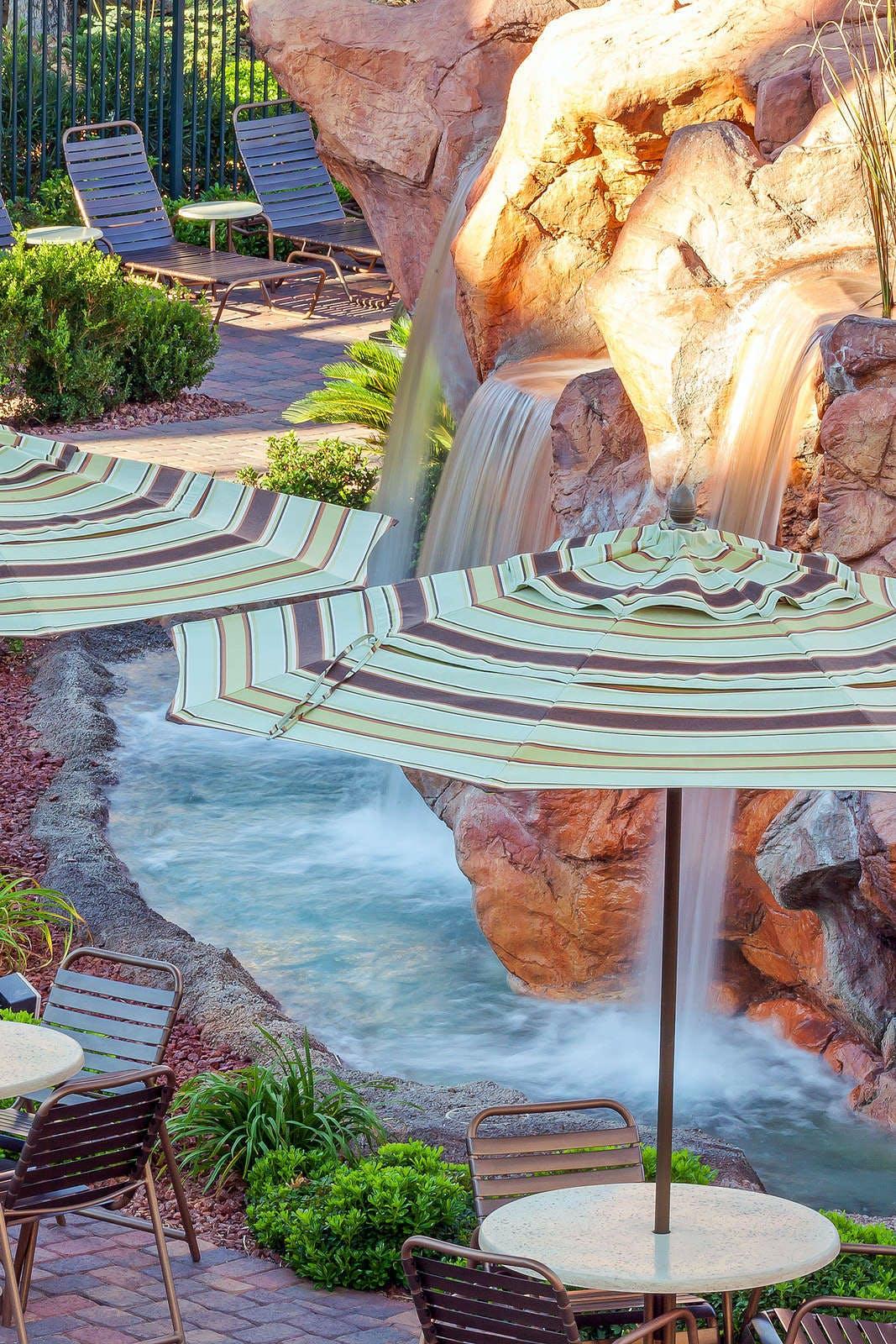 Holiday Inn Club Vacations Las Vegas Desert Club Resort