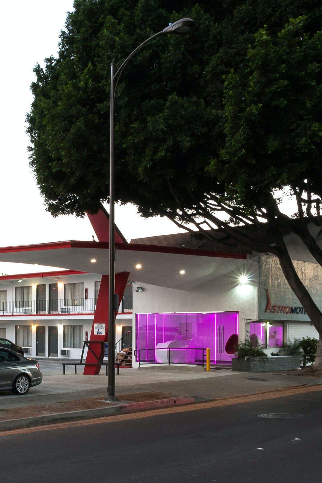 Astro Pasadena Hotel
