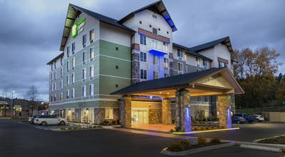 Holiday Inn Express & Suites Seattle South - Tukwila