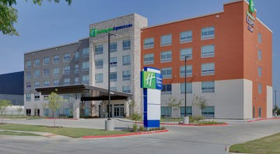 Holiday Inn Express & Suites Dallas NW Hwy - Love Field